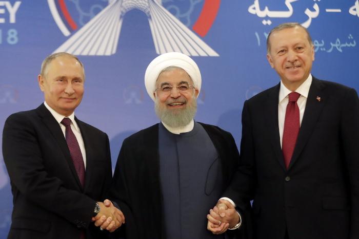 СМИ сообщили о планах РФ помочь Ирану обойти американские санкции