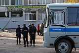 Опубликовано видео момента взрыва и расстрела в колледже в Керчи