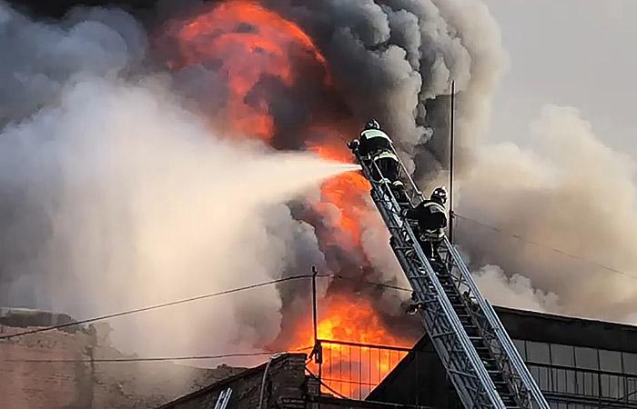 Несколько жителей Владикавказа обратились к медикам с жалобами на удушье из-за пожара