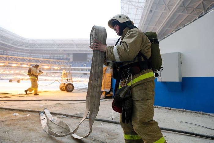 Пожарный погиб при тушении пожара на заводе во Владикавказе