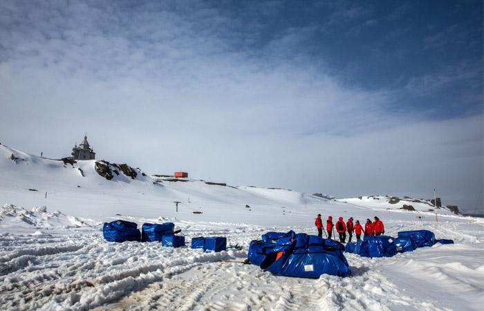 Полярник, обвиняемый в попытке убийства на антарктической станции, сдался сам