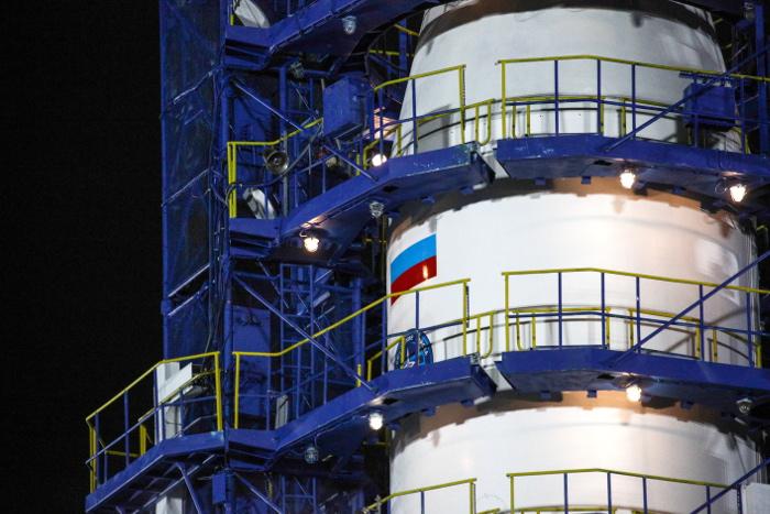 """Ракета-носитель """"Союз-2.1б"""" с военным космическим аппаратом стартовала с космодрома Плесецк"""