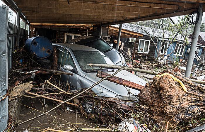 Число жертв наводнения в Краснодарском крае возросло до шести человек