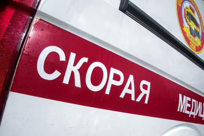 """При аварии во время ремонта """"Адмирала Кузнецова"""" пострадали четыре человека"""
