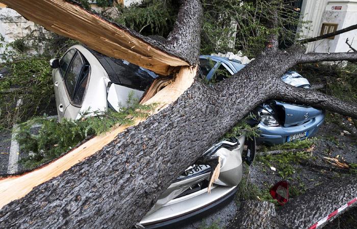 В Италии из-за непогоды погибли восемь человек
