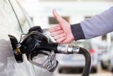 Правительство заявило об удержании цен на бензин на уровне майских до конца года