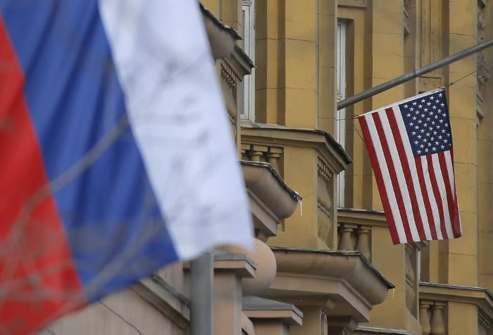Власти США начнут обговаривать сКонгрессом санкции против РФ после 6ноября