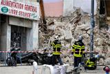 Один человек погиб при обрушении двух зданий в центре Марселя