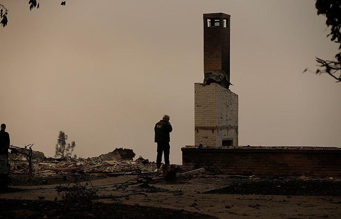 Пожары в Калифорнии унесли жизни уже 25 человек
