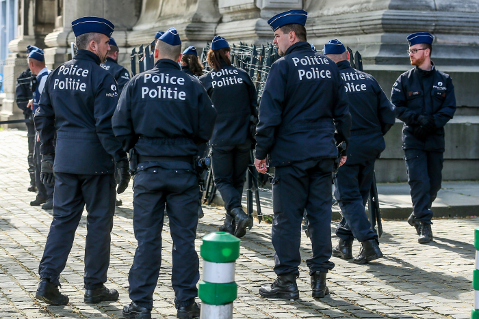 В Брюсселе задержан человек, угрожавший оружием в ресторане и захвативший заложников