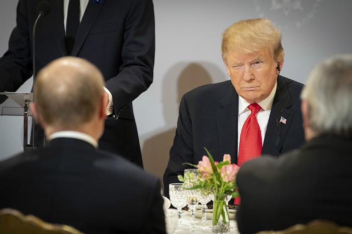 Путин заявил, что все же пообщался с Трампом в Париже