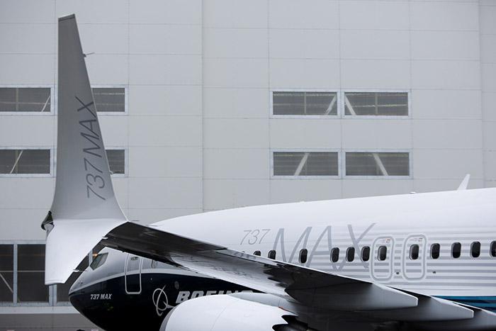 Boeing не предупредил авиакомпании об опасности срыва самолетов в пике