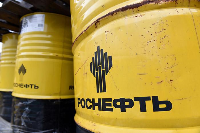 """""""Роснефть"""" второй день не торгует на СПбМТСБ, """"Газпром"""" подлил бензинов, но цены все равно рванули вверх. Обобщение"""