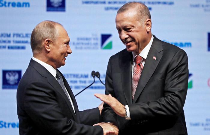 """Газпром"" завершил морскую укладку газопровода ""Турецкий поток"""