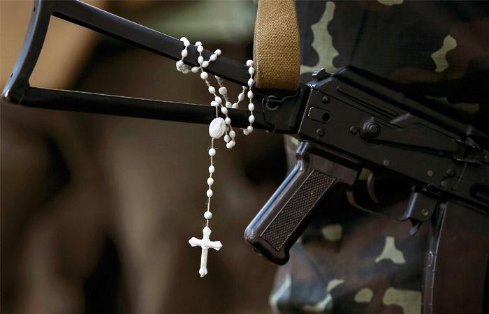 В Верховной раде предложили запретить УПЦ пастырскую работу в армии