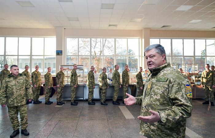 Украина перебросит армейские подразделения к границе с Россией
