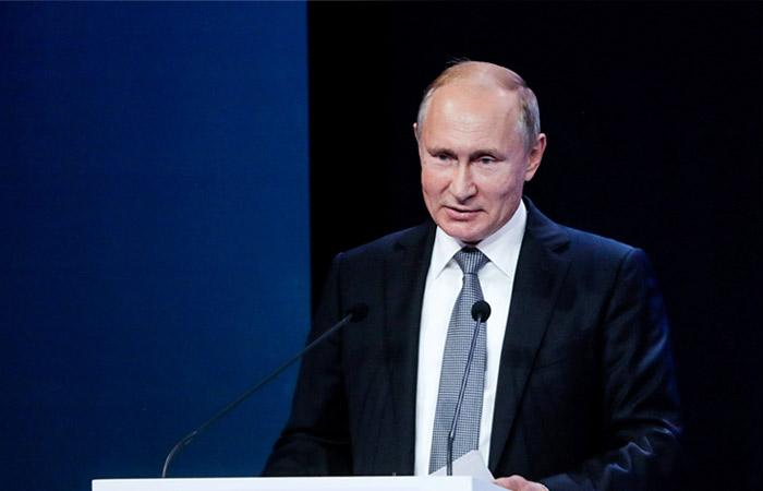 Путин объяснил, почему он не принимает звонки Порошенко