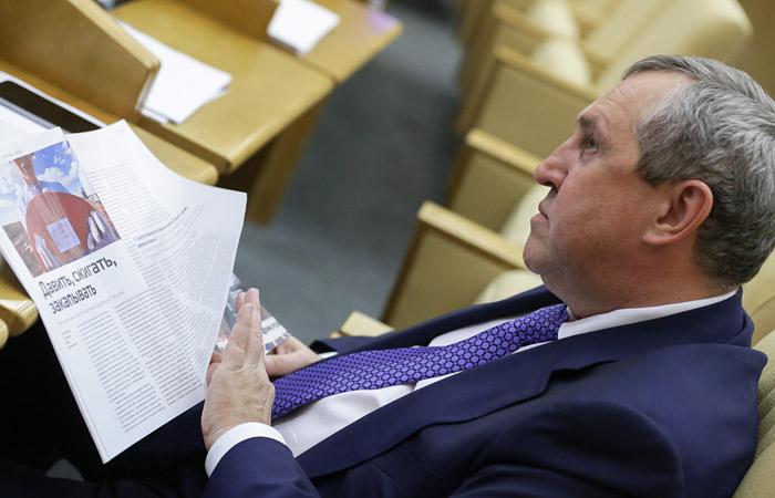 Госдума согласилась лишить неприкосновенности депутата Белоусова