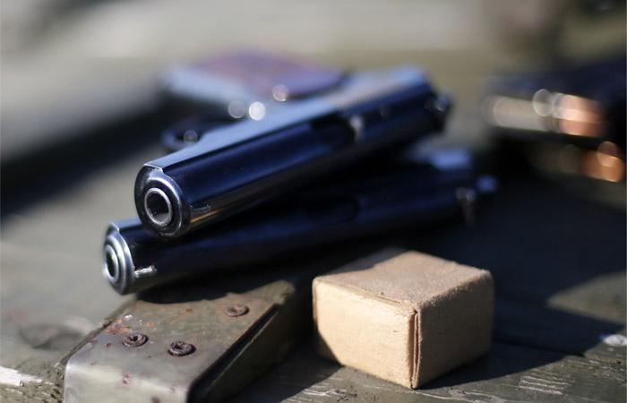 В Госдуму внесли законопроект о запрете выдавать разрешение на оружие до 21 года