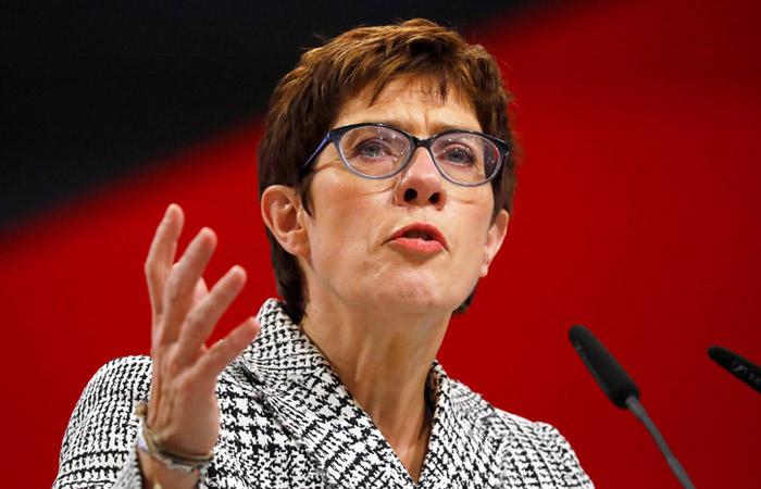 Преемником Ангелы Меркель на посту главы ХДС стала Аннегрет Крамп-Карренбауэр
