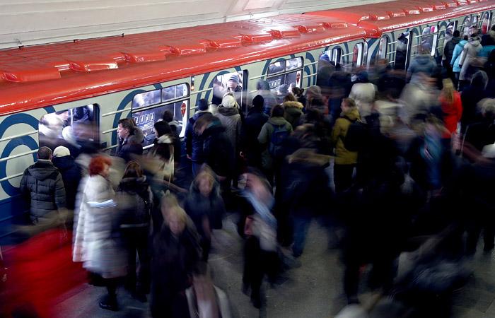 Сбой произошел сразу на двух линиях московского метро