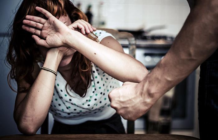 Половина россиянок заявили об угрозе стать жертвой насилия в семье