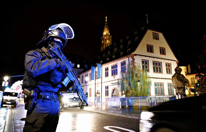 Открывший стрельбу в Страсбурге мужчина скрылся от полиции на такси