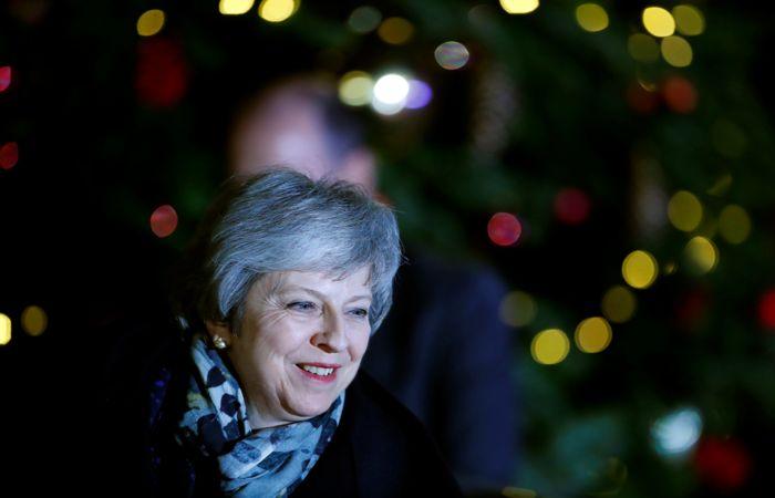 Британские депутаты-консерваторы выразили доверие Мэй