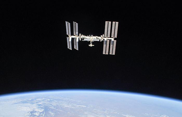Рогозин пообещал доставлять туристов к МКС по короткой схеме с 2020 года