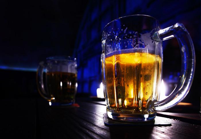 Госдума решила не возвращать запрет на рекламу пива