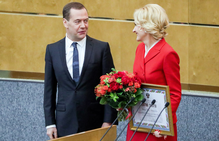 Медведев пообещал наградить всех депутатов Госдумы