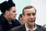 Правозащитник Лев Пономарев вышел на свободу после 16 суток ареста