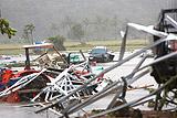 Число жертв цунами в Индонезии выросло до 168