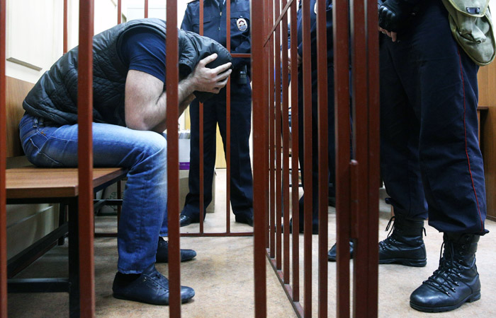 Сенаторы предложили сократить максимальный срок ареста подследственных