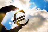 Евро превысил 79 рублей впервые с 18 сентября