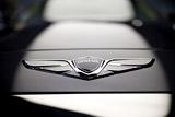 Управделами президента РФ объяснило экономией закупку машин на 400 млн рублей