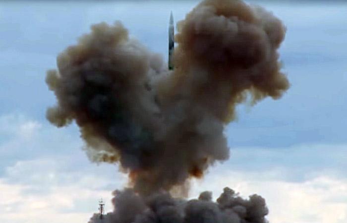 """Минобороны провело успешный испытательный пуск ракеты комплекса """"Авангард"""""""