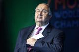 Усманов объяснил, как и почему операторы связи поднимают тарифы