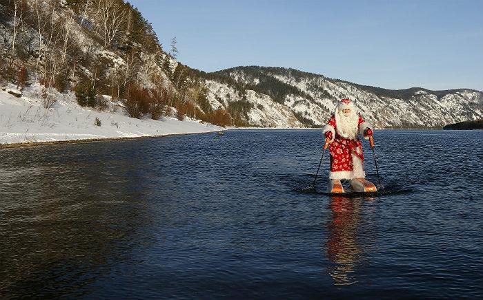Чаще всего россияне просили Деда Мороза о мире и здоровье