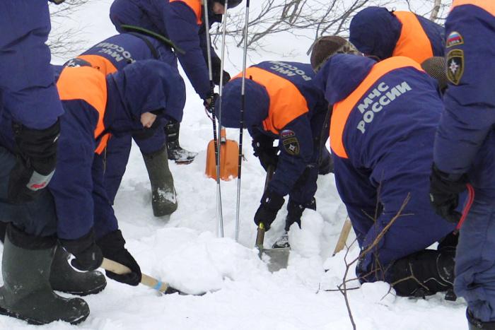 Один из спасенных при сходе снежных масс в Хабаровском крае скончался