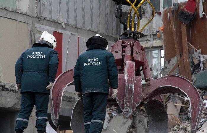 Из-под завалов дома в Магнитогорске извлекли тела 13 человек