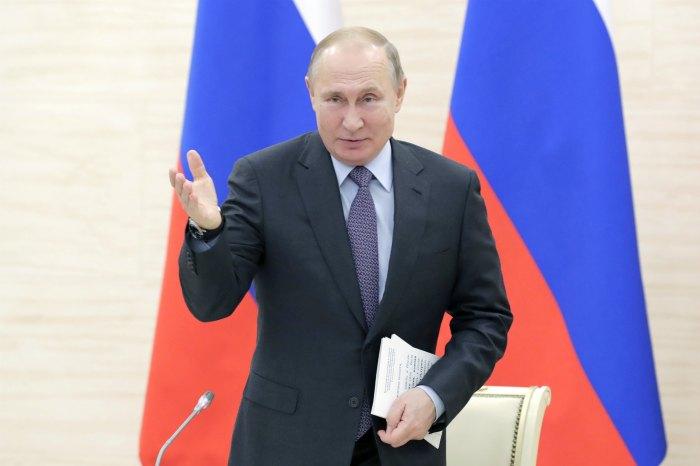 Путин дал команду на ввод в эксплуатацию плавучего СПГ-терминала в Калининграде