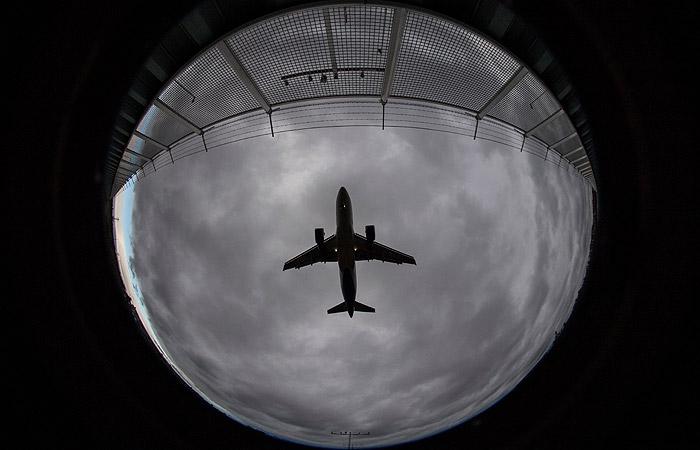 """Почти 30 рейсов задержали в """"Шереметьево"""" из-за инцидента с чешским лайнером"""