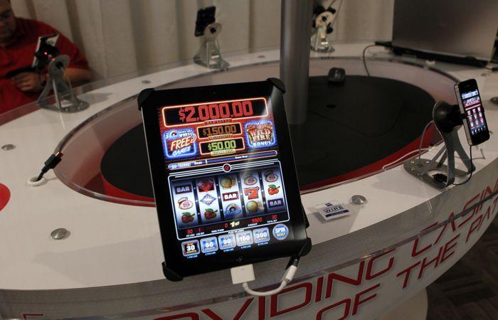 ФНС запретила банкам проводить платежи в адрес онлайн-казино Azino777