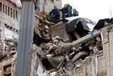 Число погибших при взрыве газа в доме в Шахтах выросло до четырех