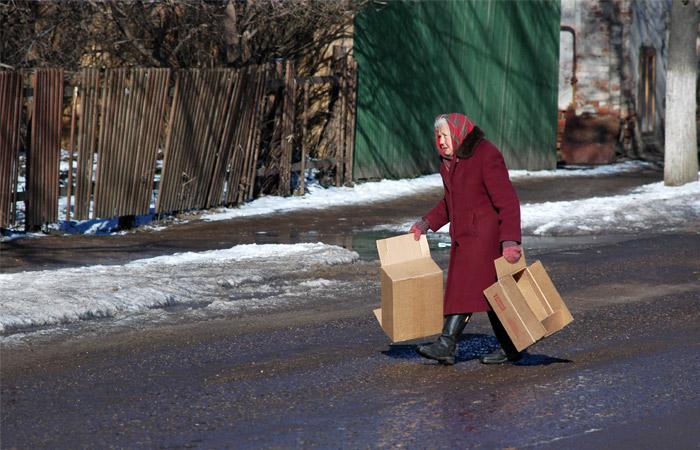 Для преодоления бедности россиянам не хватает 800 млрд рублей в год