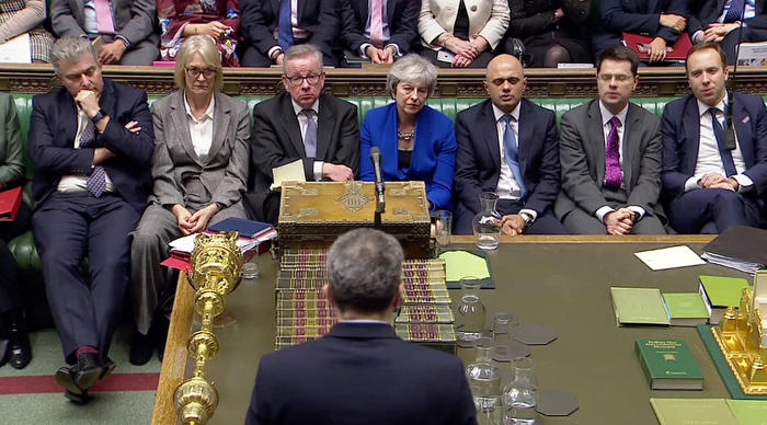 Британский парламент выразил доверие правительству Мэй