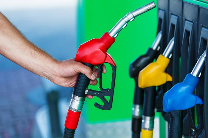 Украинский чиновник рассказал о покупке топлива из российской нефти