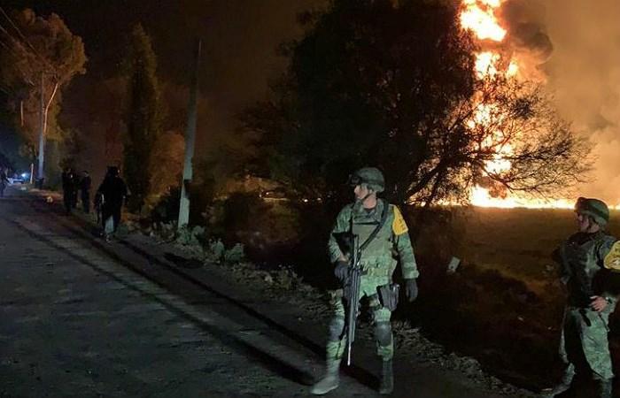 Взрыв на нефтяном трубопроводе в Мексике унес жизни 20 человек