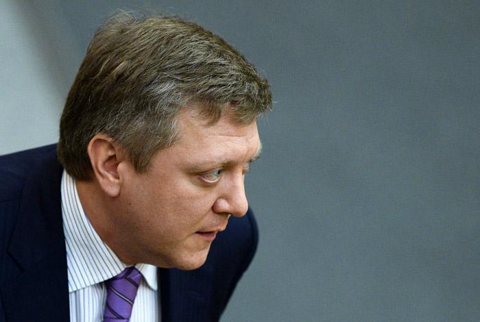 Комитет Думы одобрил законопроекты о фейк-новостях и неуважительных публикациях о власти